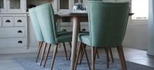 Egaliseren houten vloer in woonkamer en M-flor pvc stroken geplaatst.